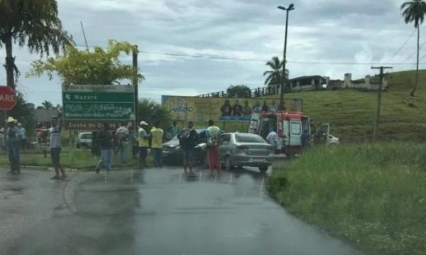 Colisão entre dois veículos é registrado na BA-001 em Valença