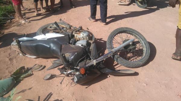 Piraí do Norte: Homem morre ao bater motocicleta em animal