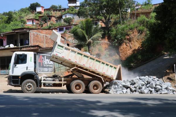 Teolândia: Calçamento do Bairro Zacarias Borges segue em ritmo acelerado.