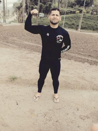 Suposta troca de tiros deixa personal trainer morto, em Nilo Peçanha.
