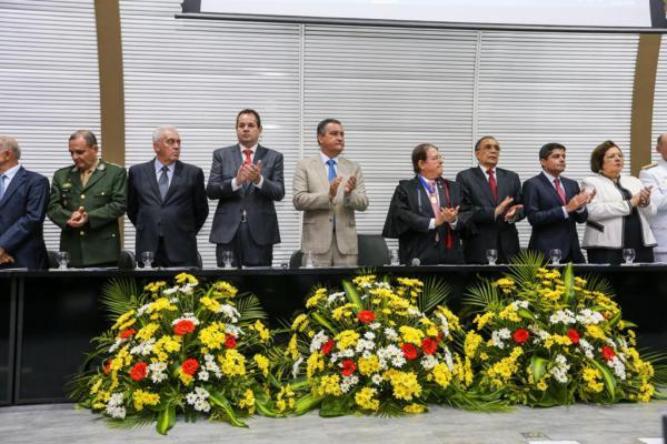 Nelson Leal recebe comenda do TRE pela contribuição da Assembleia Legislativa ao cadastramento biométrico na Bahia