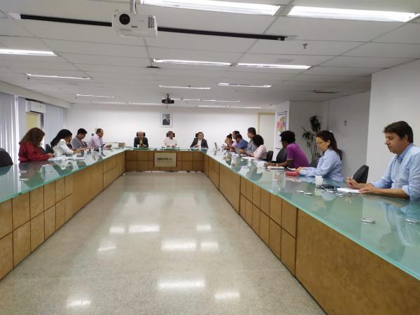Secretaria da educação do estado discute medidas durante suspensão das aulas