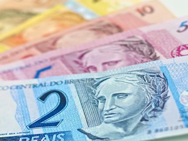 Começa pagamento de aposentados do INSS; bancos abrem mais cedo