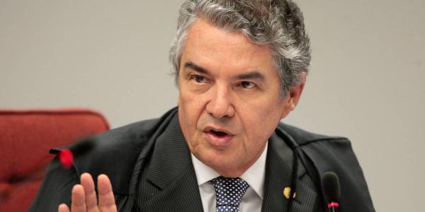 Ministro do STF envia à PGR pedido de afastamento de Bolsonaro