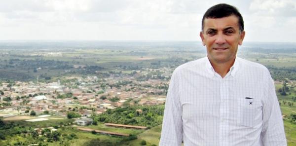 Mesmo sem caso registrado, prefeito de Conceição da Feira pediu à Justiça para usar dinheiro do Fundeb no controle do Coronavírus