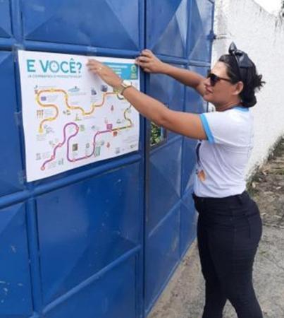 Combate à dengue: agentes fazem panfletagem em bairros de Gandu