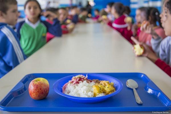 TJ-BA mantém decisão que obriga Estado da Bahia a fornecer alimentos para estudantes