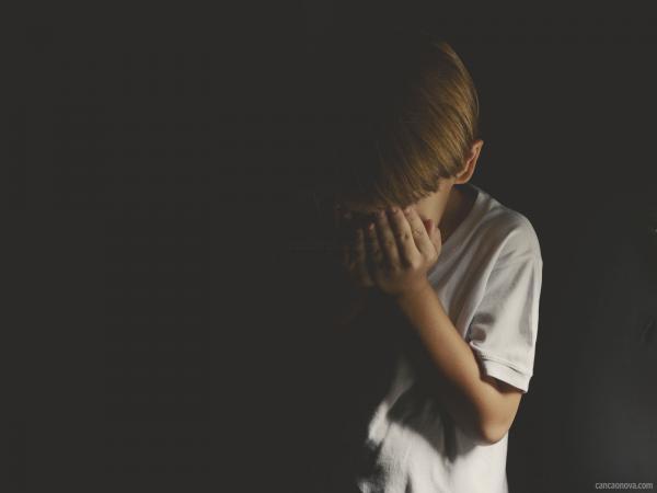 Coronavírus – MP alerta população para importância de se denunciar casos de violências contra crianças e adolescentes durante quarentena