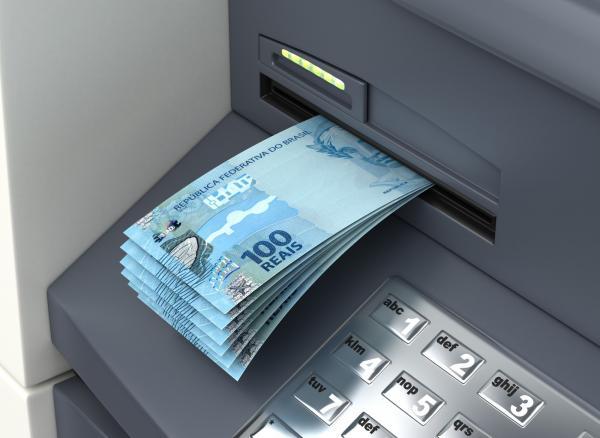 Auxílio de R$ 600 a informais começa a ser depositado hoje