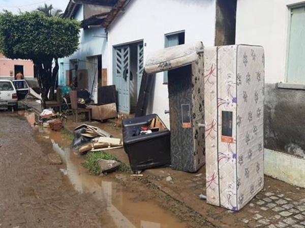 Chuva atinge mais de 800 famílias em Dario Meira