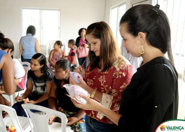 Secretaria da Promoção Social realiza mais uma Oficina de pintura no Residencial Nova Aliança