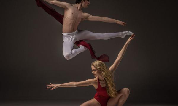 Brasileiros participam de festival de dança on-line