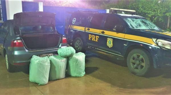PRF prende traficante e esposa grávida transportando 100 Kg de maconha na BR 116