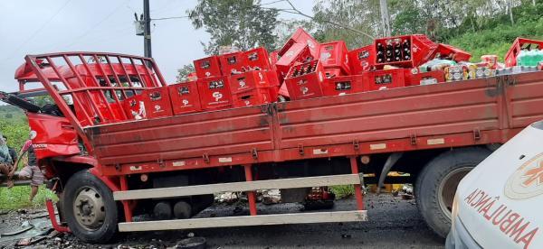 VÍDEO: colisão entre dois caminhões deixa feridos na BA-549, entre Gandu-Itamari