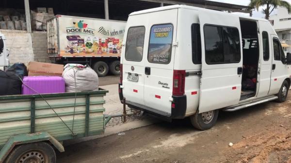 Minivan é apreendida após transportar 12 pessoas de São Paulo para Ipiaú