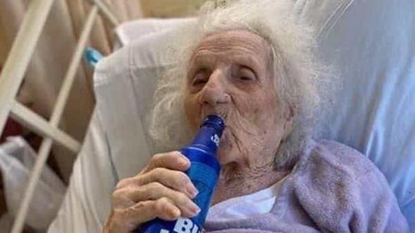 Mulher de 103 anos vence a Covid-19