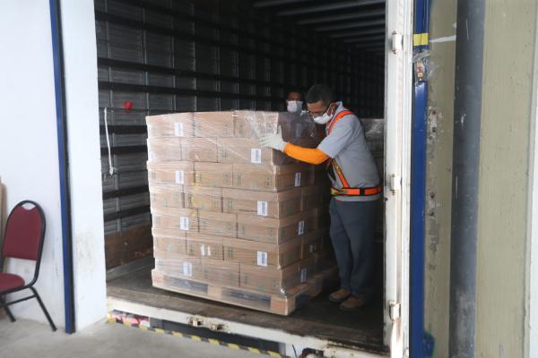 Boticário doa 44 mil litros de álcool líquido à Sesab