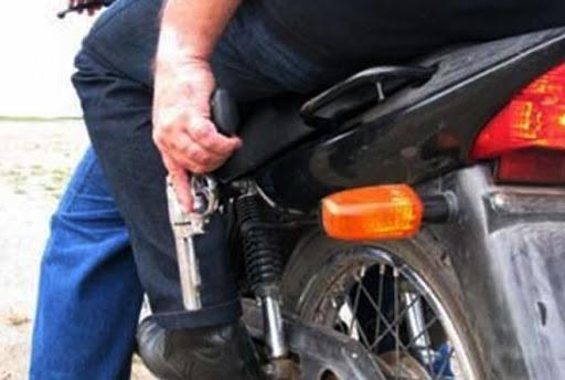 Em Wenceslau Guimarães, homens armados tomam moto em assalto
