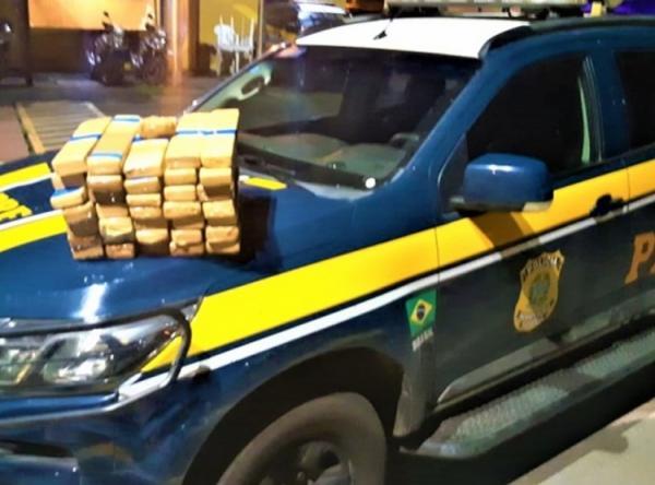 Casal é preso com quase 30kg de maconha na BR 101, em Itabuna.