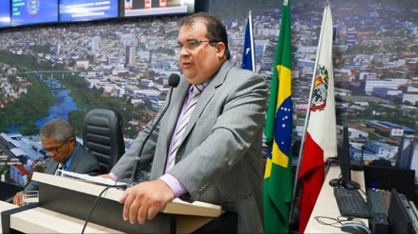 Câmara de Vereadores aprova afastamento do prefeito de Jequié por 90 dias