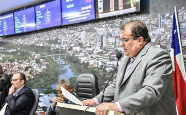 Jequié: Justiça determina volta do prefeito Sérgio da Gameleira ao cargo