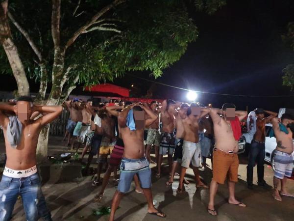 SAJ: Polícia interrompe festa com aglomeração na zona rural