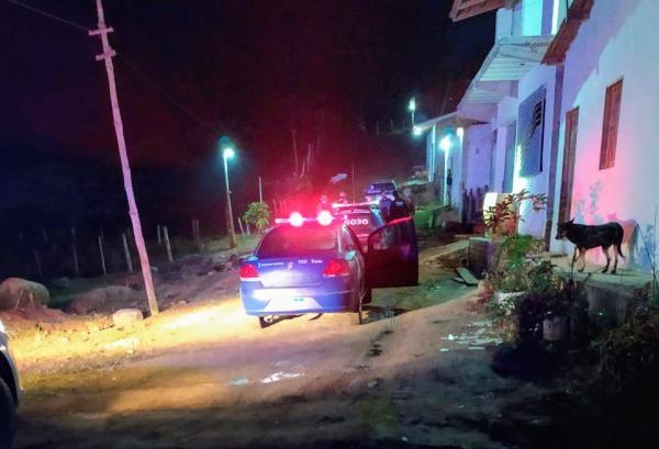Covid-19: PM acaba com festas irregulares em bairros de Gandu