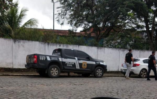 Polícia apura fraude em contratos de abastecimento de veículos de vereadores em Ipiaú; 2 carros teriam dado duas 'voltas ao mundo'