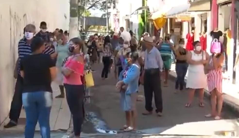 Reabertura do comércio de Itabuna é marcado por aglomerações e confusão