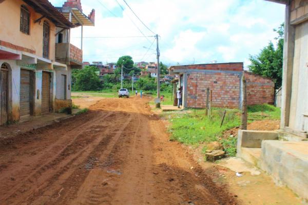 Prefeitura de Gandu realiza obras de melhoria no Bairro Renovação 1.