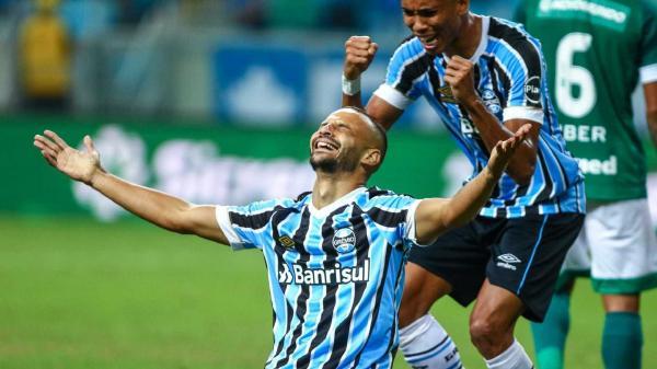 Grêmio elimina Goiás em casa; Palmeiras estreia com vitória