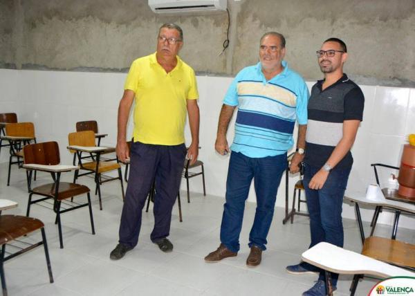 Prefeito realiza inspeção nas obras da Escola Modelo localizada no Quilombo