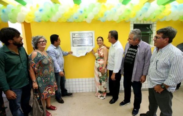 Rui anuncia convênios para fortalecer agricultura familiar e ações na área de saúde em Teolândia.