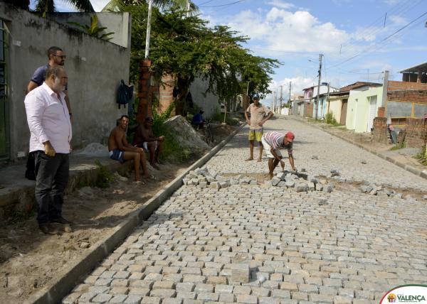 Obras de pavimentação no Bairro da Bolívia são ampliadas e seguem em ritmo acelerado