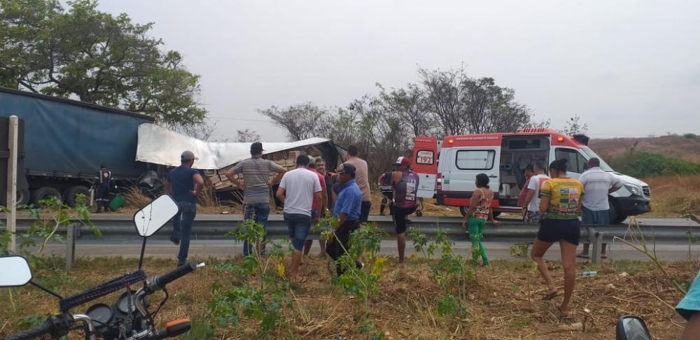 Acidente deixa um ganduense morto e ao menos três feridos, em Minas.