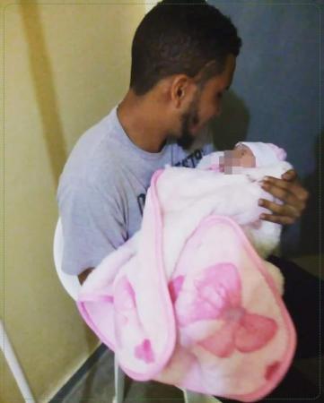 Após morte da filha, homem acusa hospital de demorar em autoriza a transferência de sua filha que acabou falecendo.