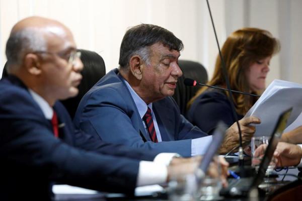TCE-BA aprova contas do governo do estado com recomendações e alerta