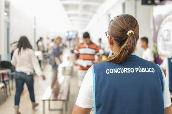 Prefeitura divulga edital de concurso com salários de até R$ 6 mil