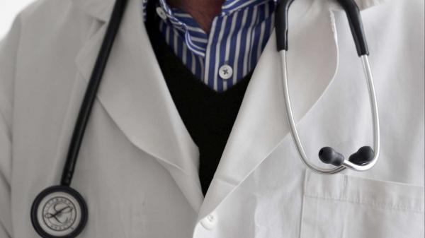 MP-BA move ação contra homem que se passava por médico em Feira de Santana