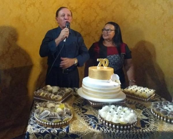 Deputado Pr. Carlos Ubaldino celebra aniversário ao lado de amigos, familiares e correligionários