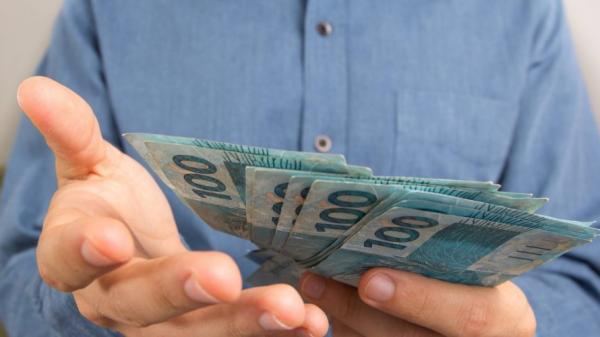 Receita paga 1º lote da restituição do IR 2018 nesta sexta