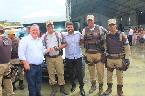 Gandu recebe do governo estado mais uma viatura para Polícia Militar.