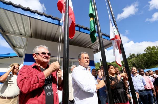 """Coronel critica fechamento do estaleiro em Maragogipe: """"Quem vai pagar pelos prejuízos e empregos perdidos?"""""""