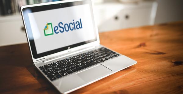 Microempreendedor e empresa devem aderir ao eSocial a partir deste domingo (1º).