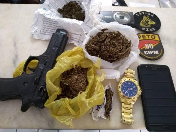 Polícia Militar prende suspeitos por roubos e recupera aparelho celular
