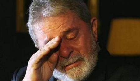 Em nova reviravolta, presidente do TRF-4 determina que o ex-presidente Lula deve continuar preso