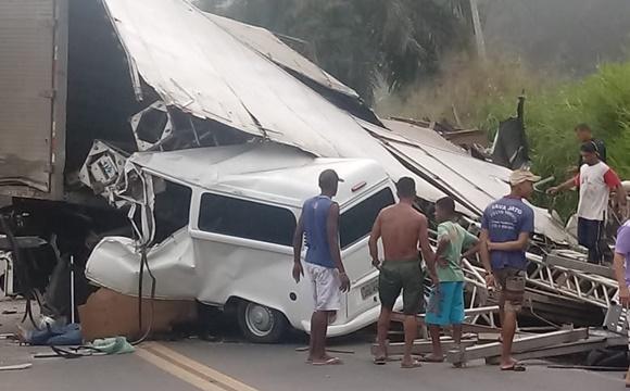 Em Ibirapitanga, acidente grave deixa ao menos 5 vítimas na BR 101