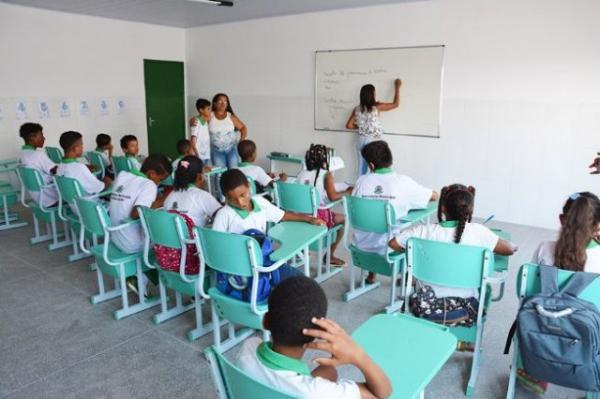 Prefeitura de Feira abre concurso para professor.