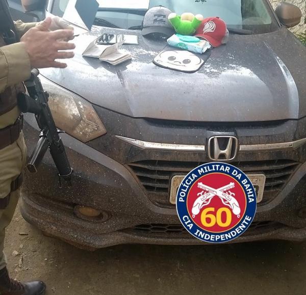 Veículo roubado em Nilo Peçanha é recuperado pela PM em Itamari.