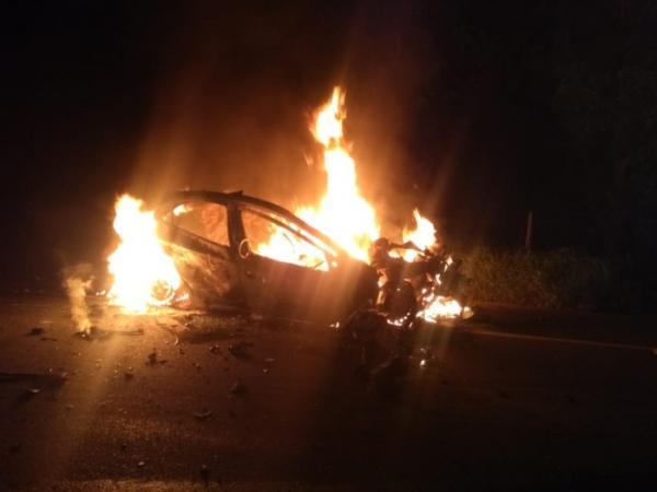 Pres. Tanc. Neves: Grave acidente registrado na BR 101; dois corpos carbonizados.
